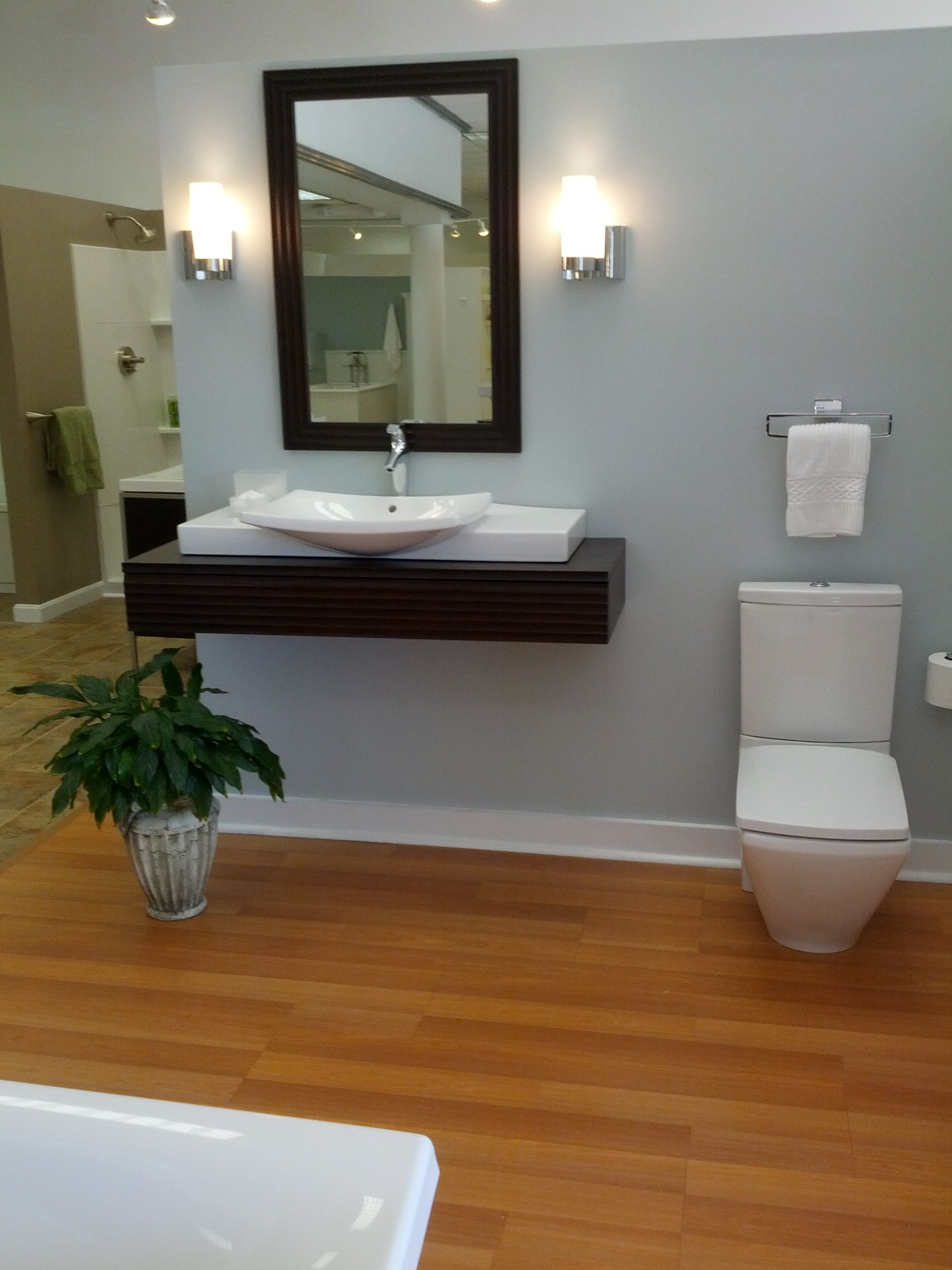 Small Handicap Bathroom Ideas. 1000 images about handicapped ...