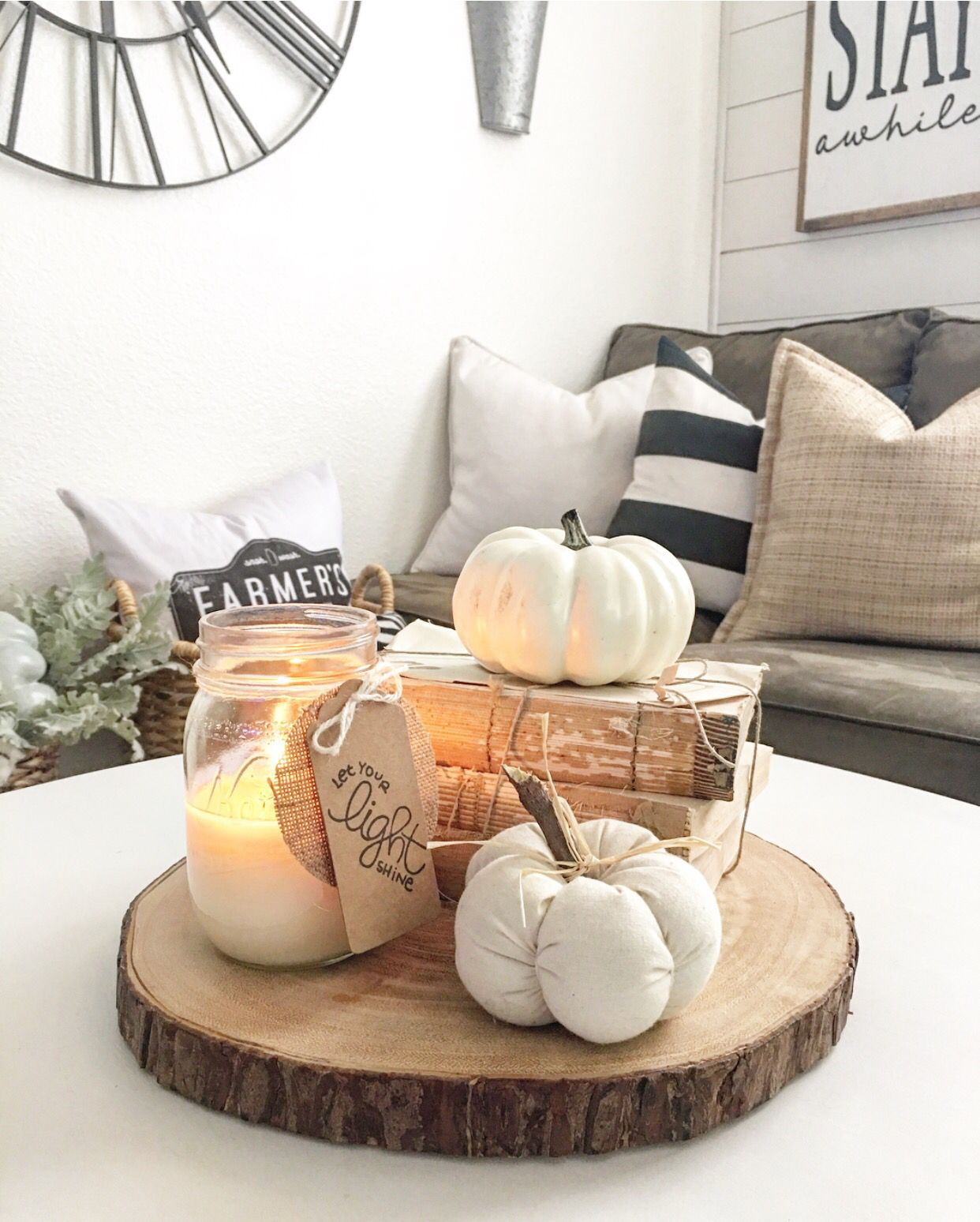 Simple fall decor IG nellyfriedel Apartment
