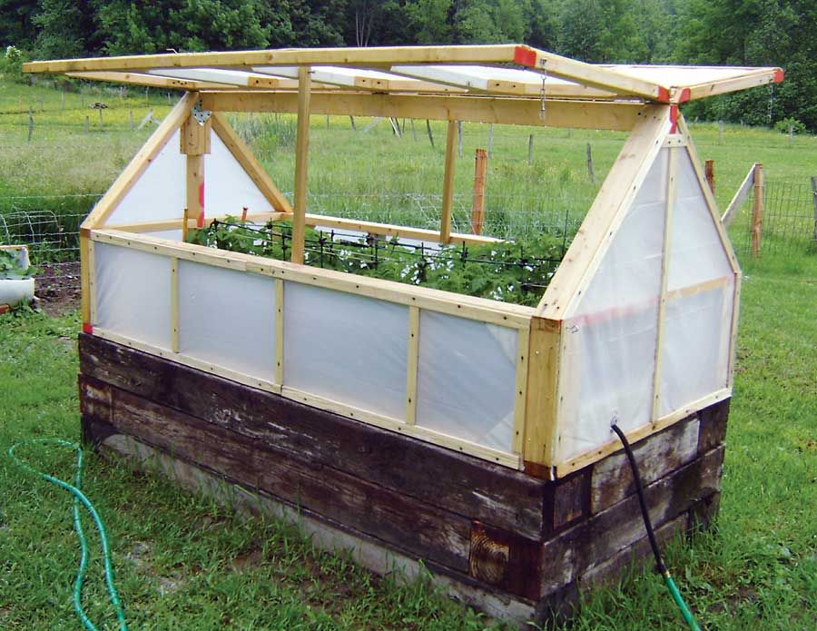 Inexpensive MiniGreenhouse DIY Mini greenhouse