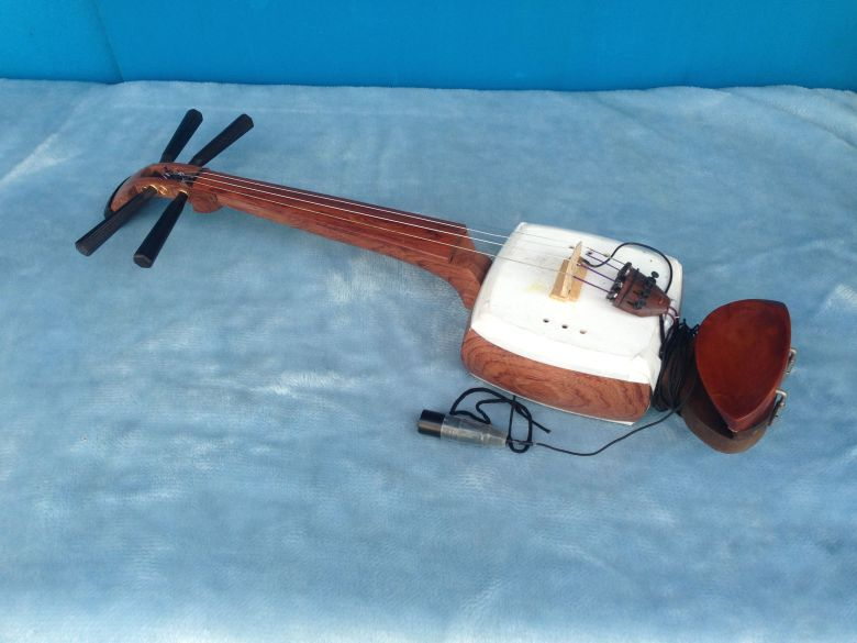 rental fiddle(shamisen-violin) this fiddle works banba jun a fiddle
