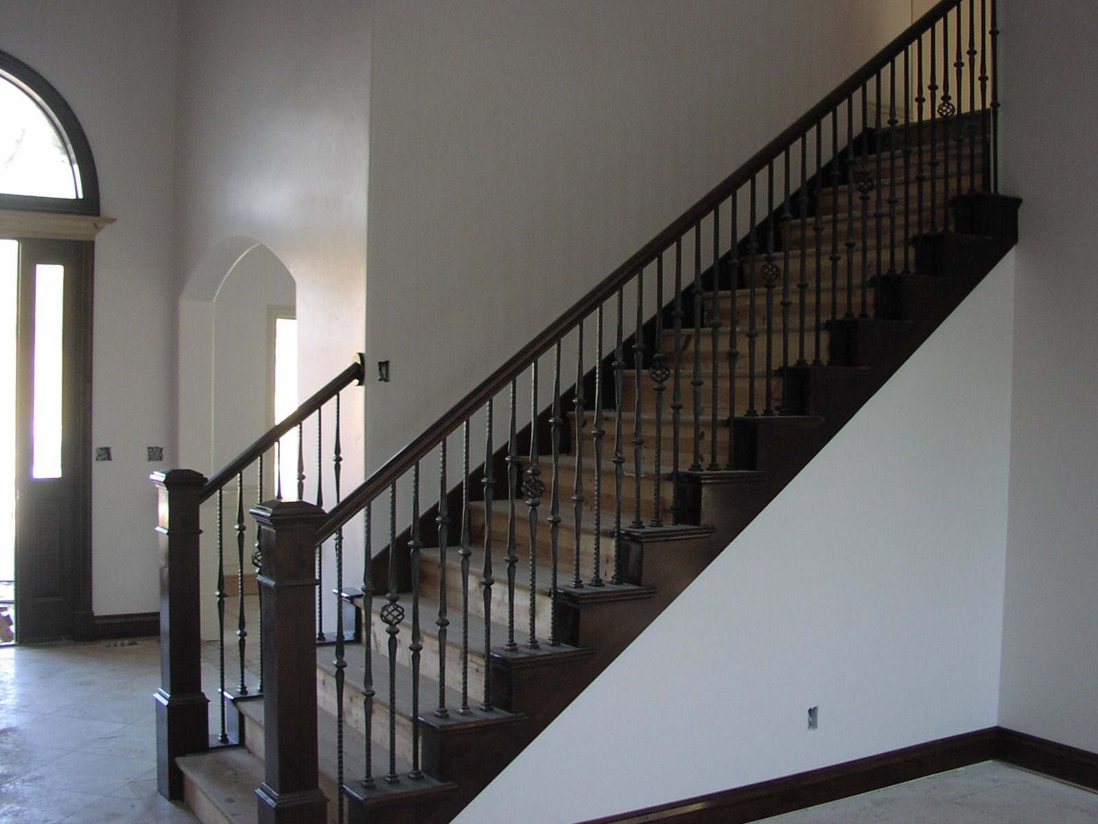 Stair Railing Bing Images Wood Stairs With Carpet In The   Carpet Up Middle Of Stairs