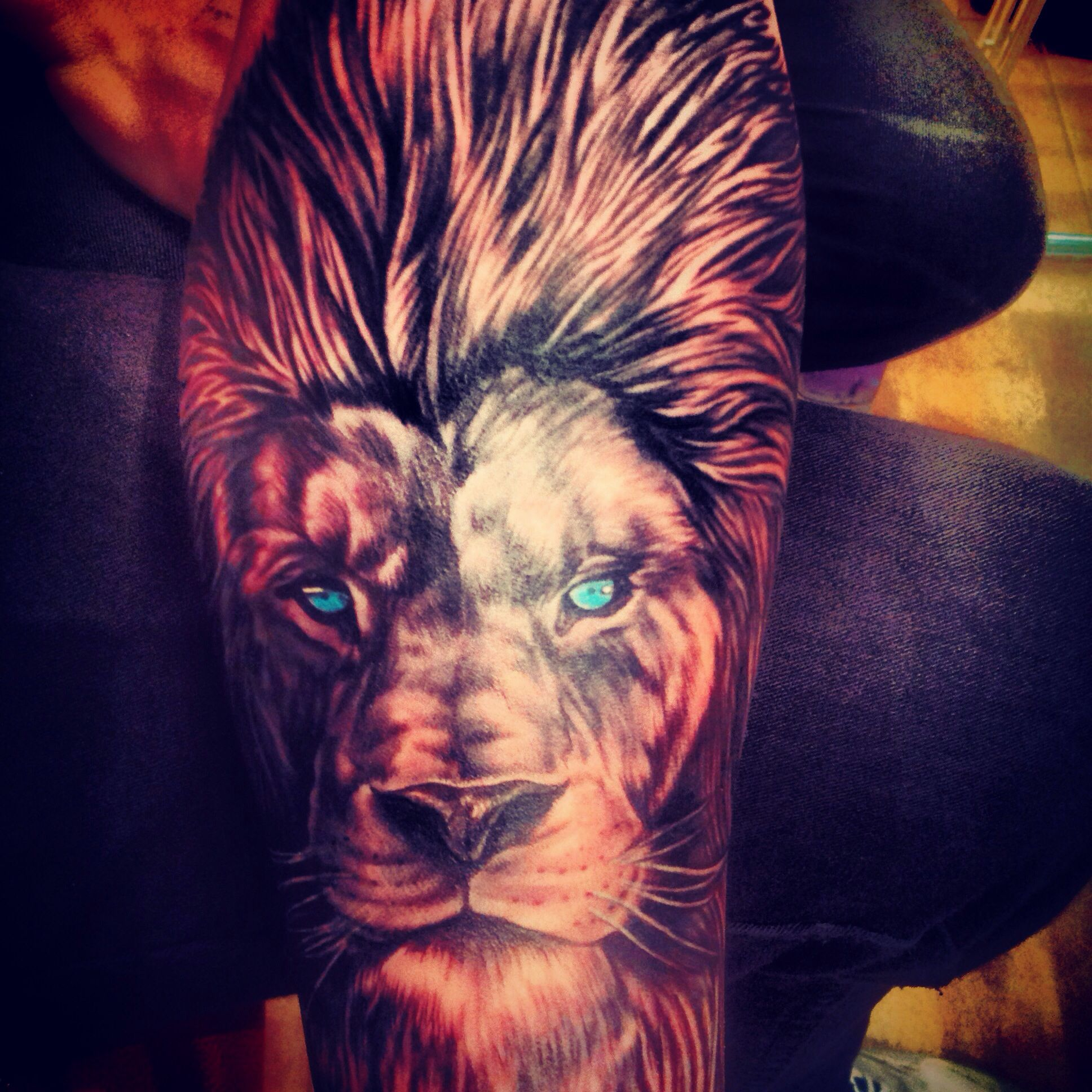Lion tattoo, males arm, amazing art, men are hotter with