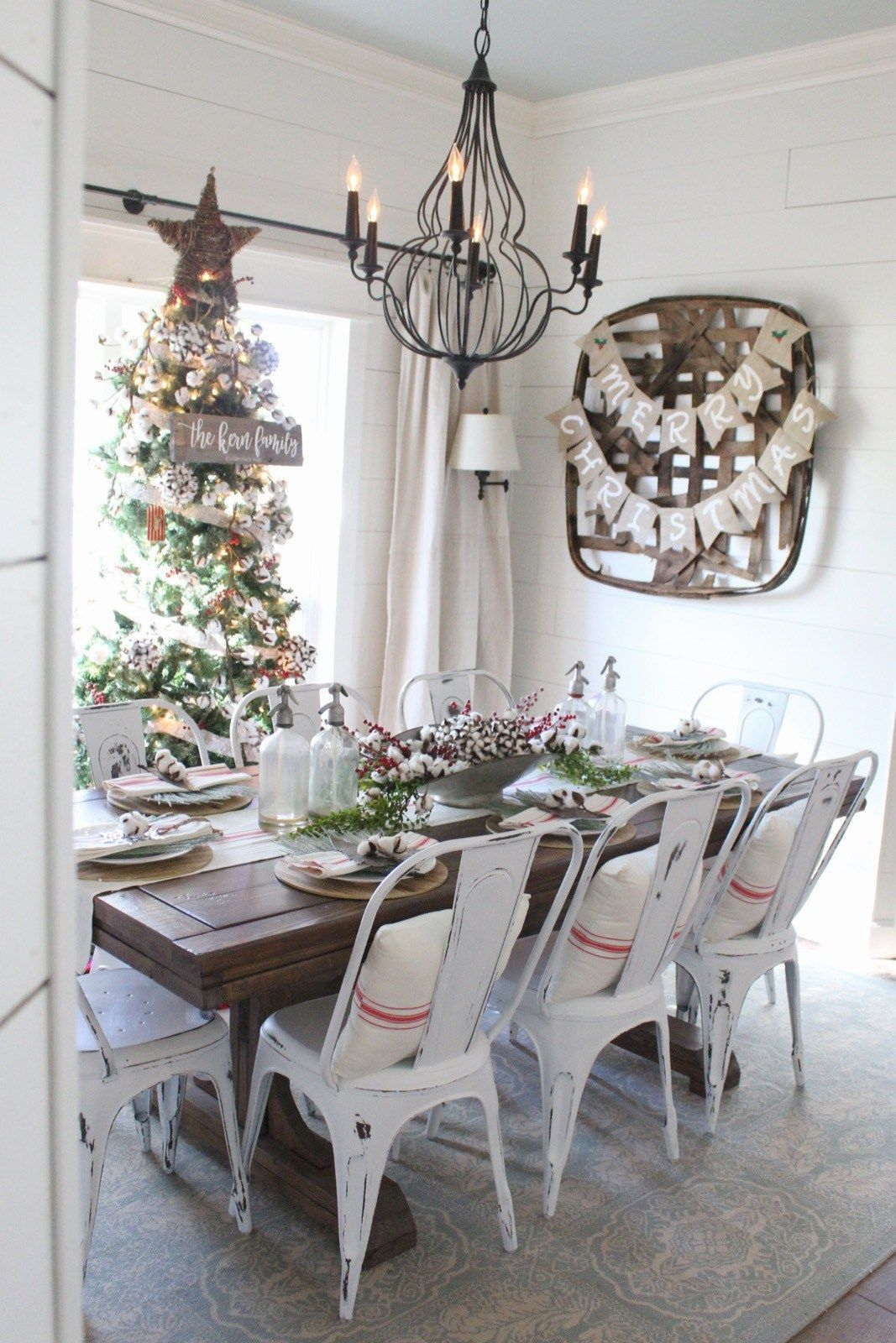 The Rustic Pig Cottonstem Dining Room TableScapes