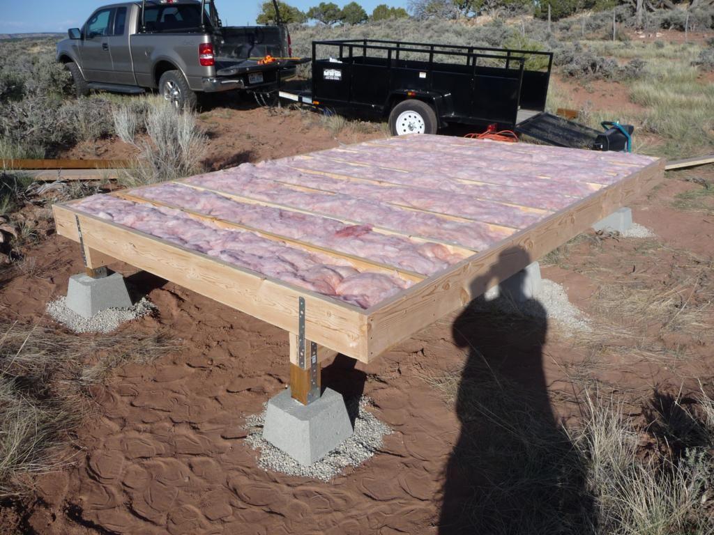 cabin floor insulation Modern Shed