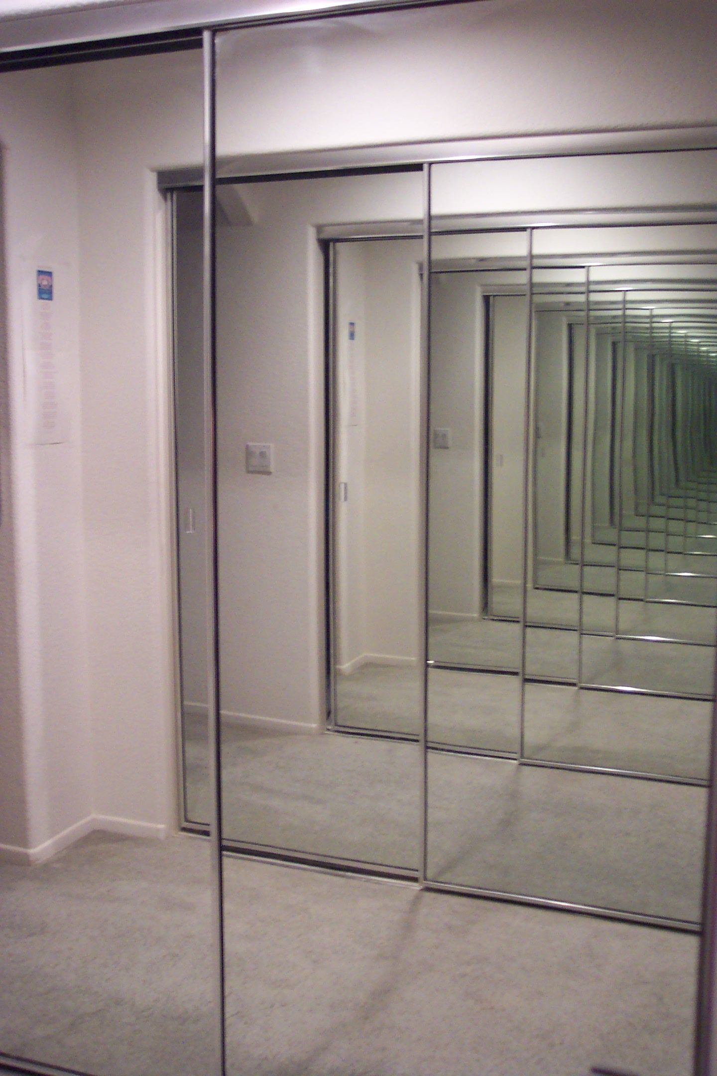 Mirrors Reflection