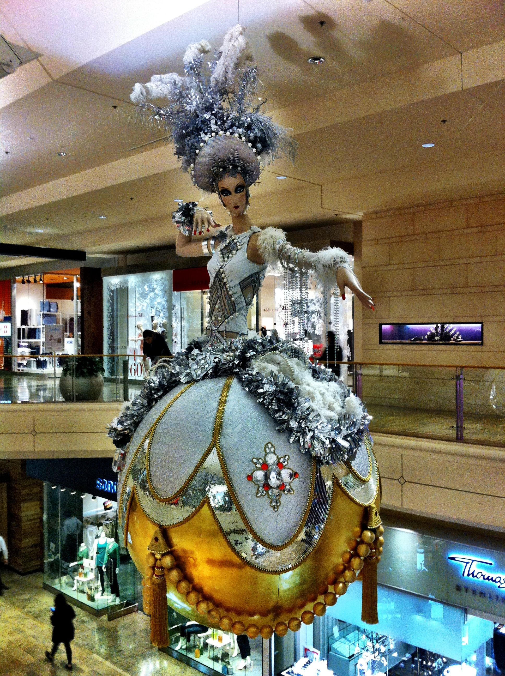 Wow! Extravagant mall Christmas decoration Display and