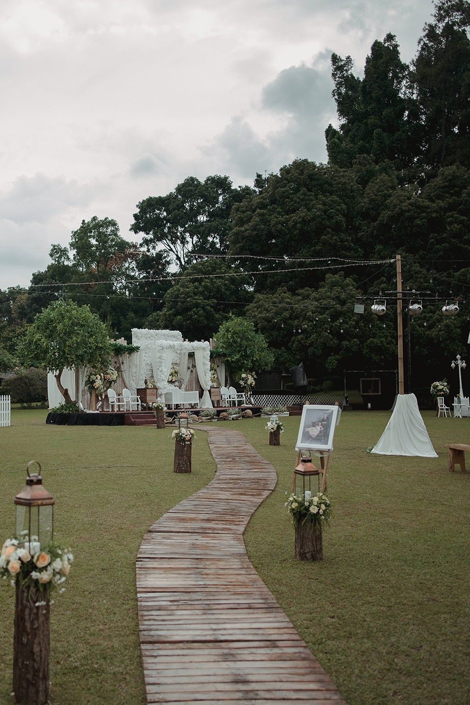 Pernikahan Outdoor Rustic Garden Party di Bandung the