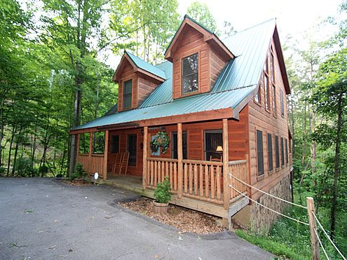 The Looney Bin 2 Bedroom Bathroom Cabin Al In Pigeon Forge Tennessee