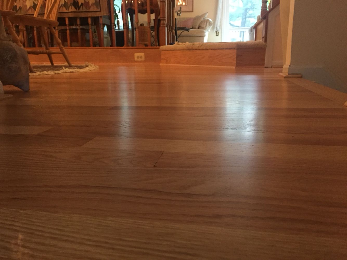 Refinishes red oak flooring with natural Pallmann X color