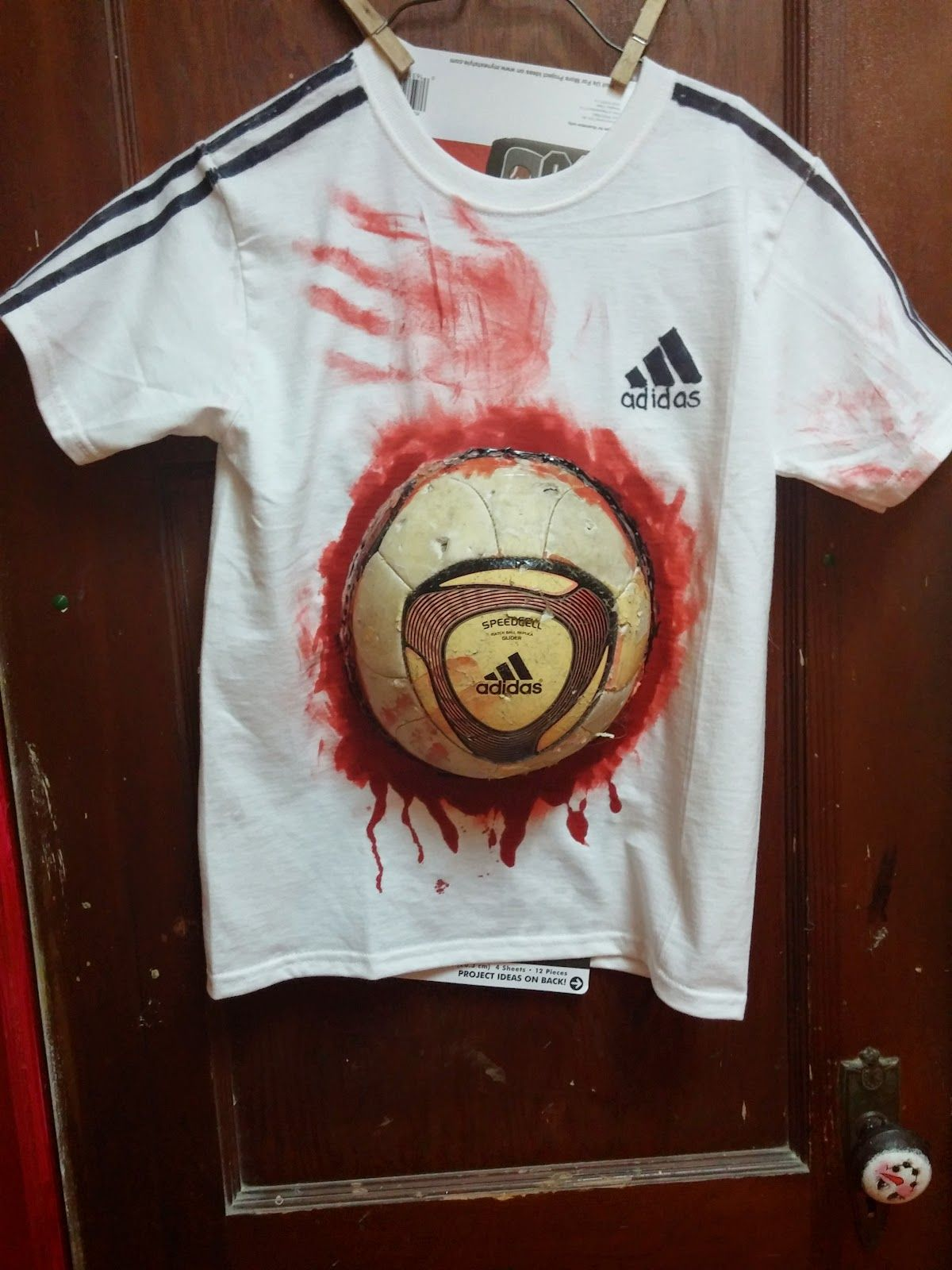 Zombie Soccer Player For the Shirt You'll need 1 white t