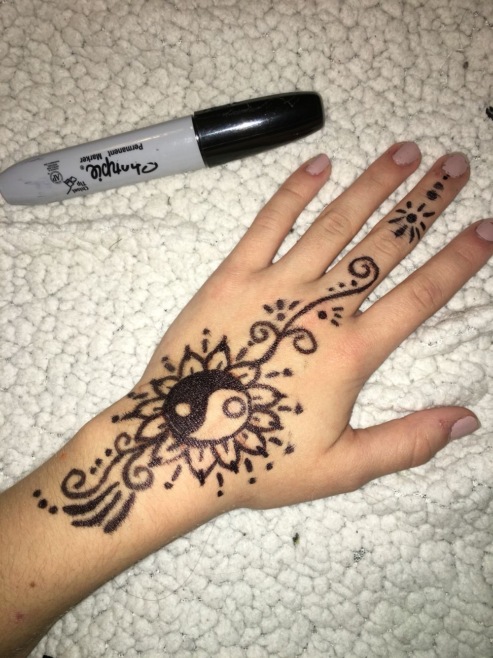 Easy simple henna done with sharpie Drawings Pinterest