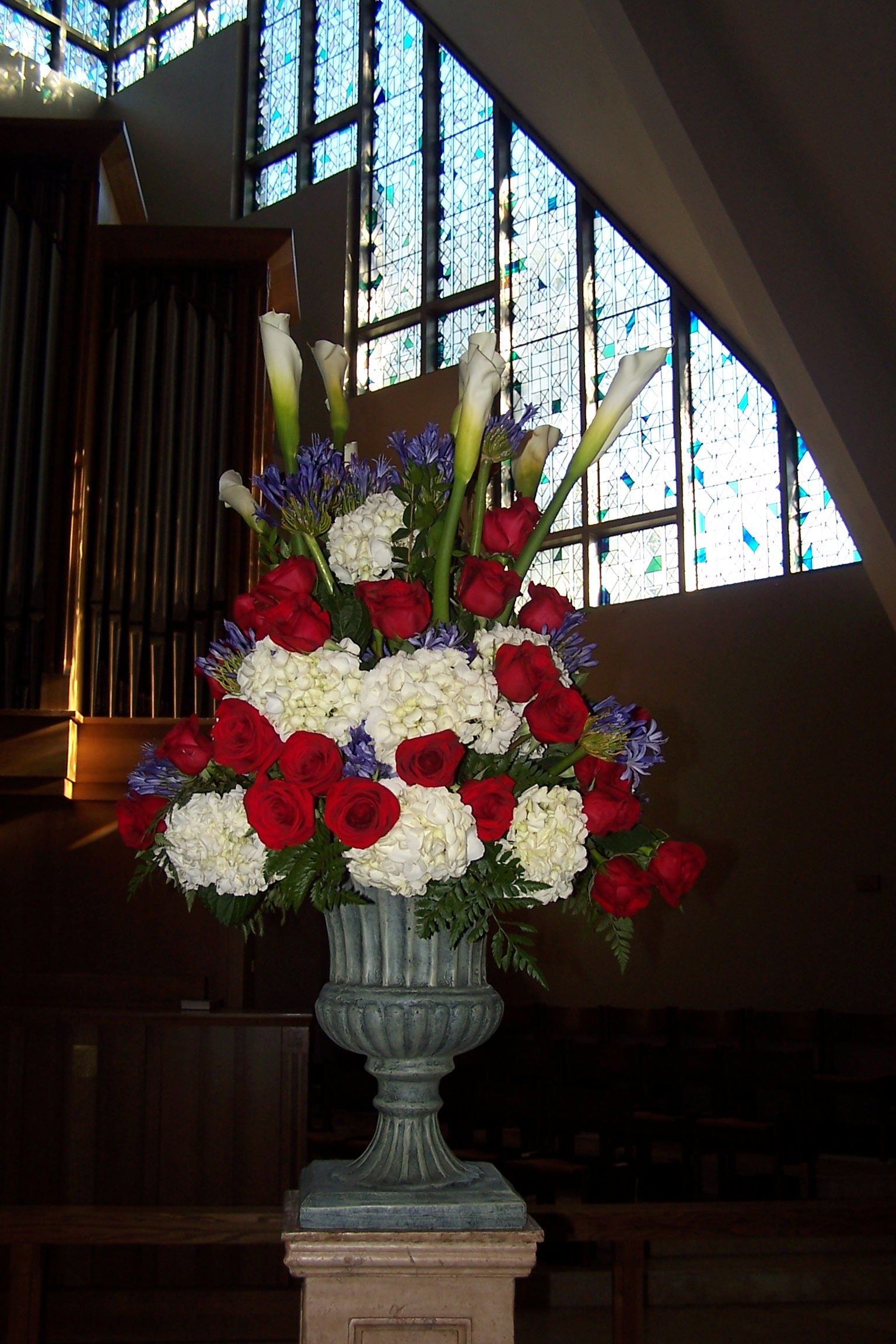 Fourth of July Altar Flowers flowers Pinterest Altar