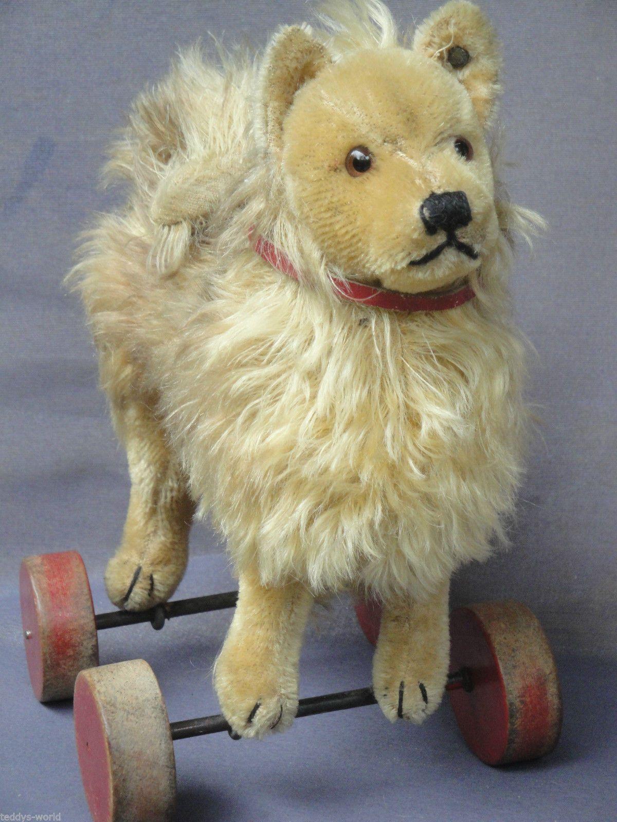 Antique STEIFF SPITZ Dog on wooden wheels! Pull toy ca