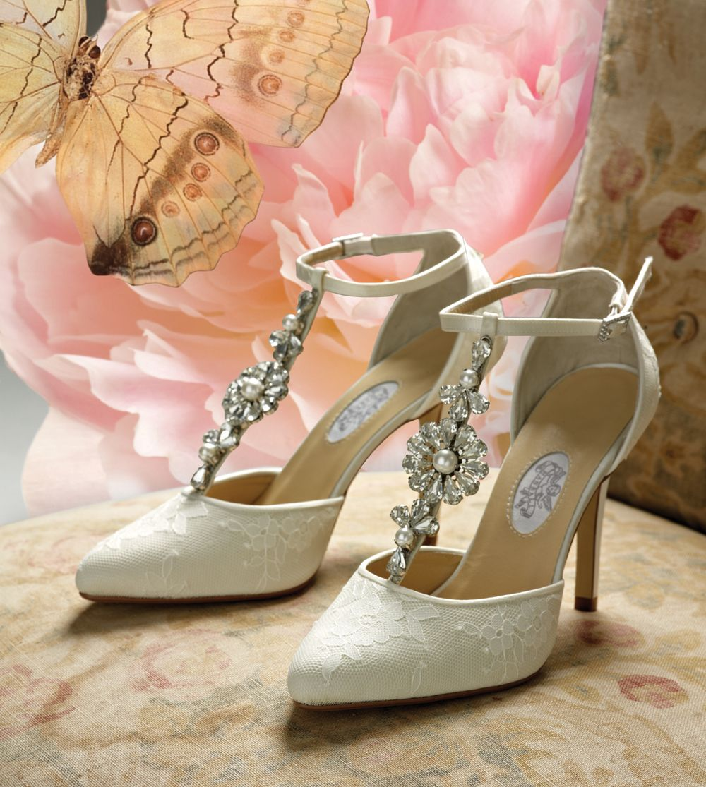 vintage wedding shoes Diane Hassall Wedding Shoes Daisy