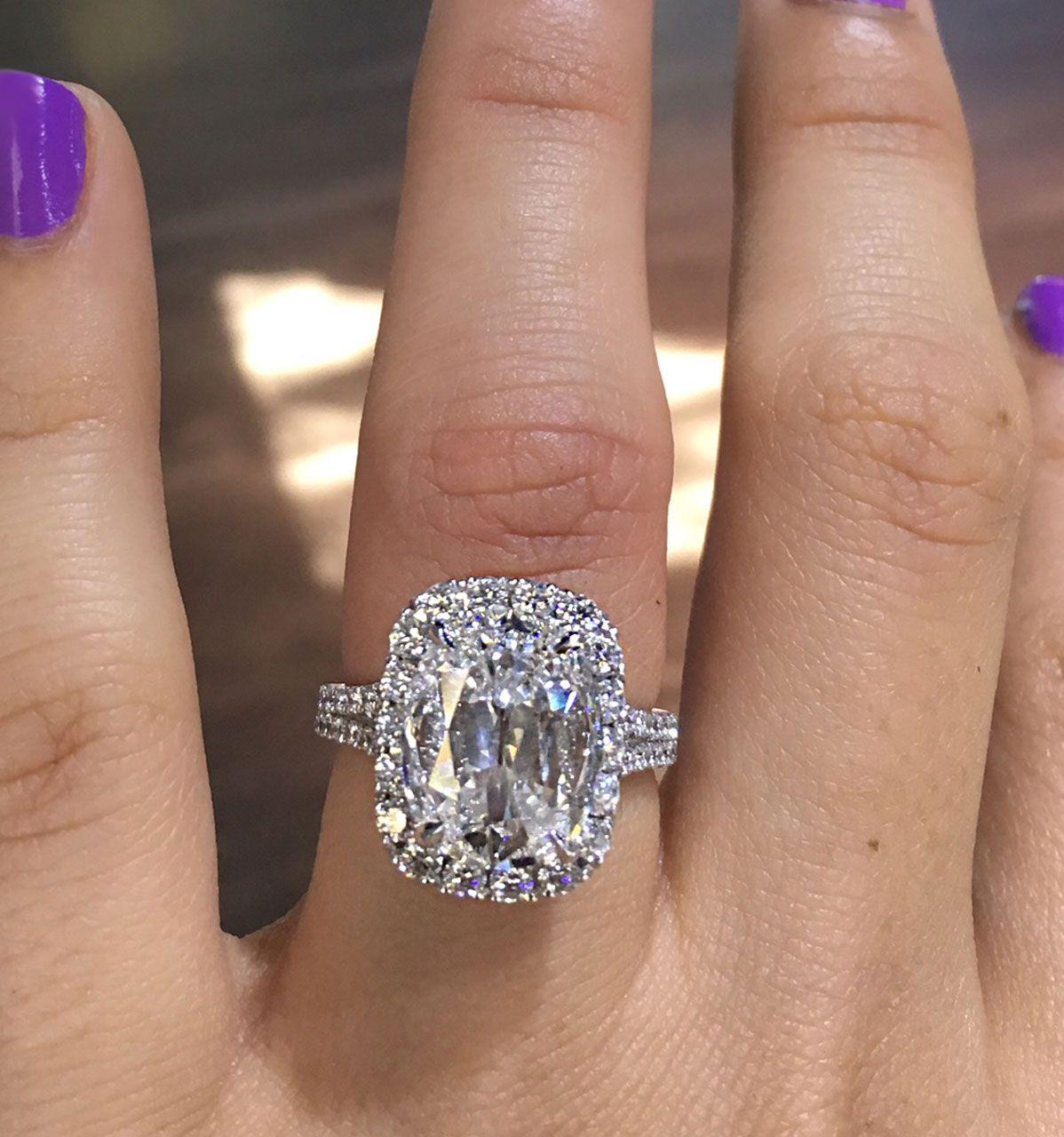 Henri Daussi Engagement Rings 4.26ct Diamond Cushion Cut