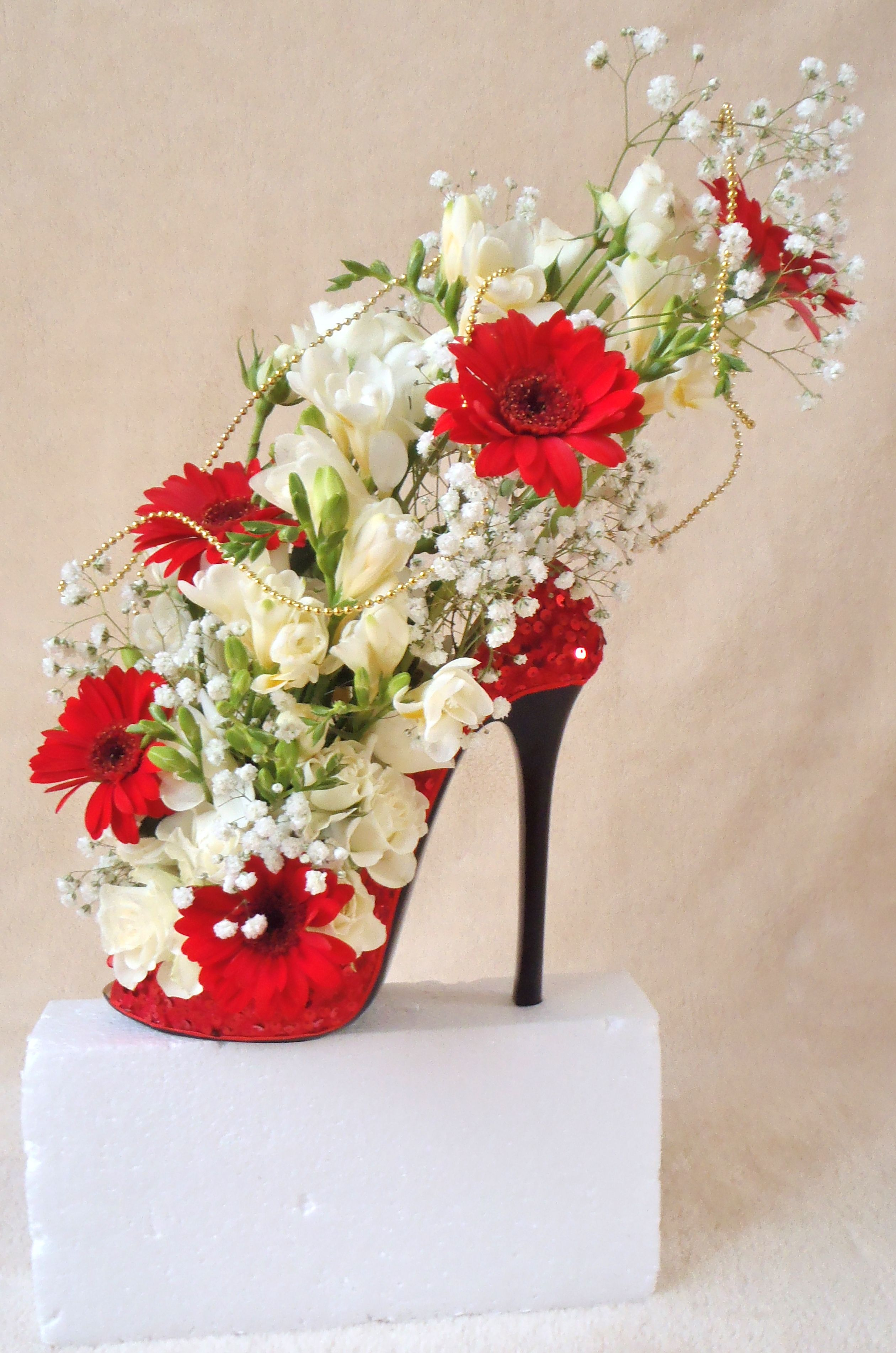beautiful shoe design,used as wedding display,in different
