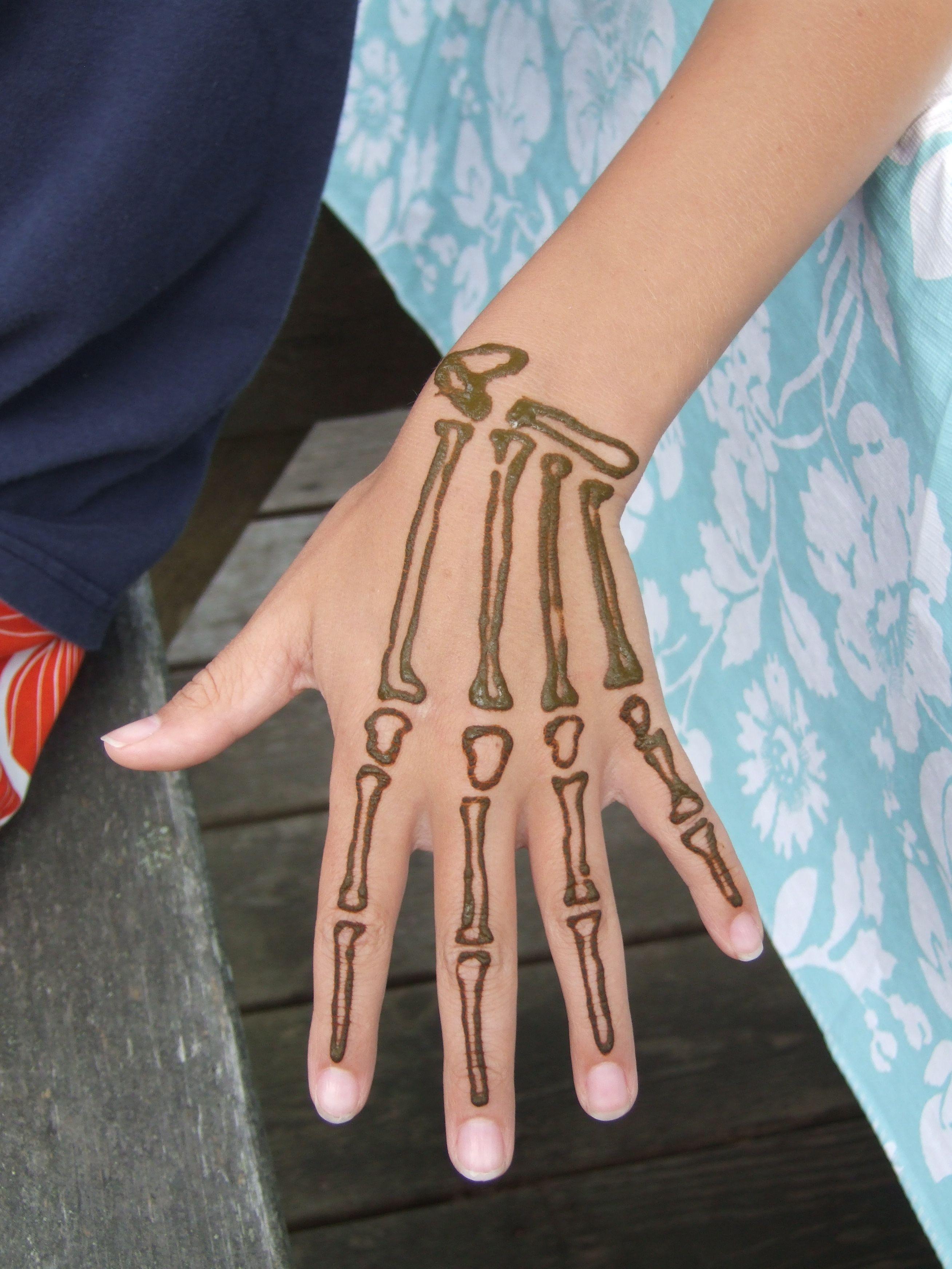 Henna hand bones. Fun. Henna Hands Pinterest Hennas