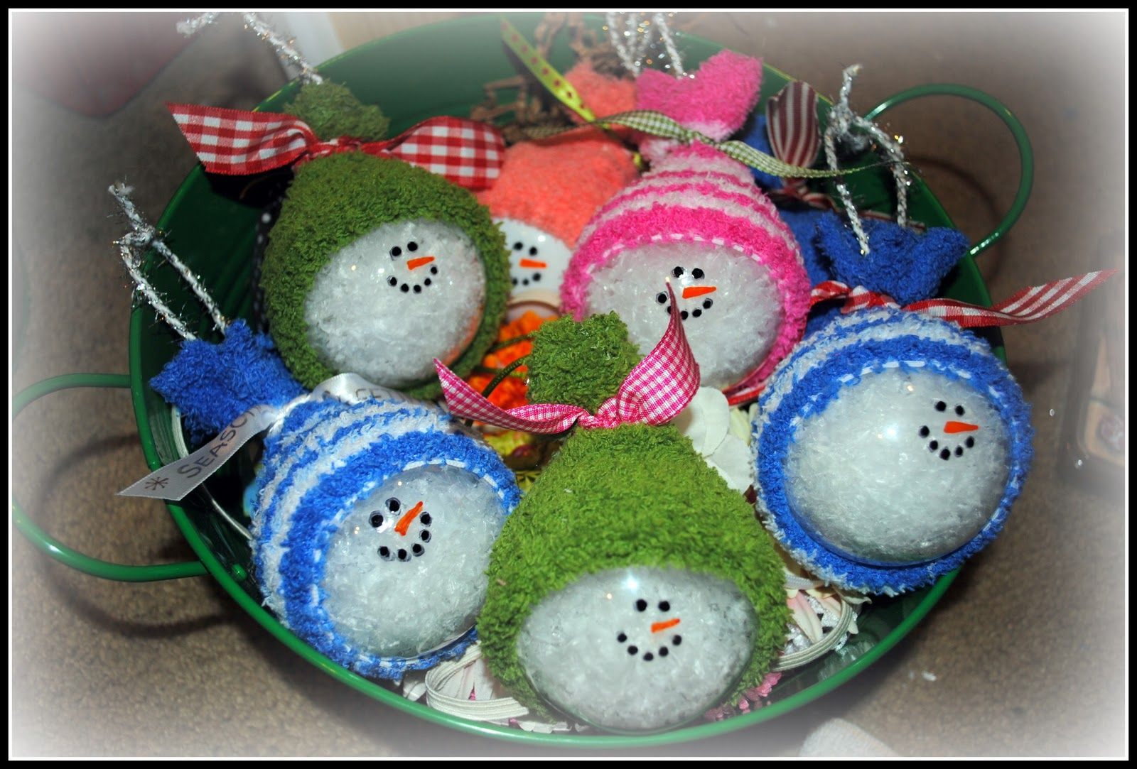 Snowman Ornaments! Clear ornaments, fill with fake snow