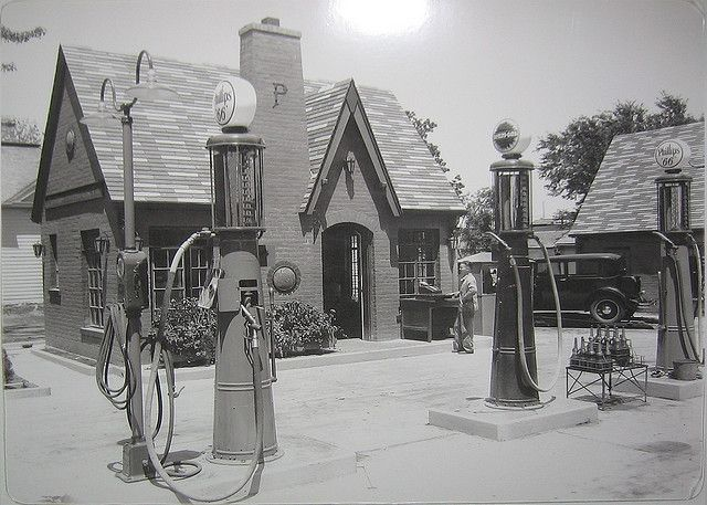 1920s Cottage Style Phillips 66 Service Station This Style