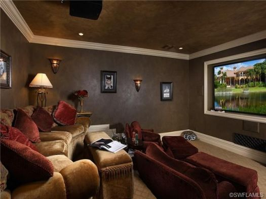 Posh Home Theater Room Love The Two Levels Pretty Easy To Build