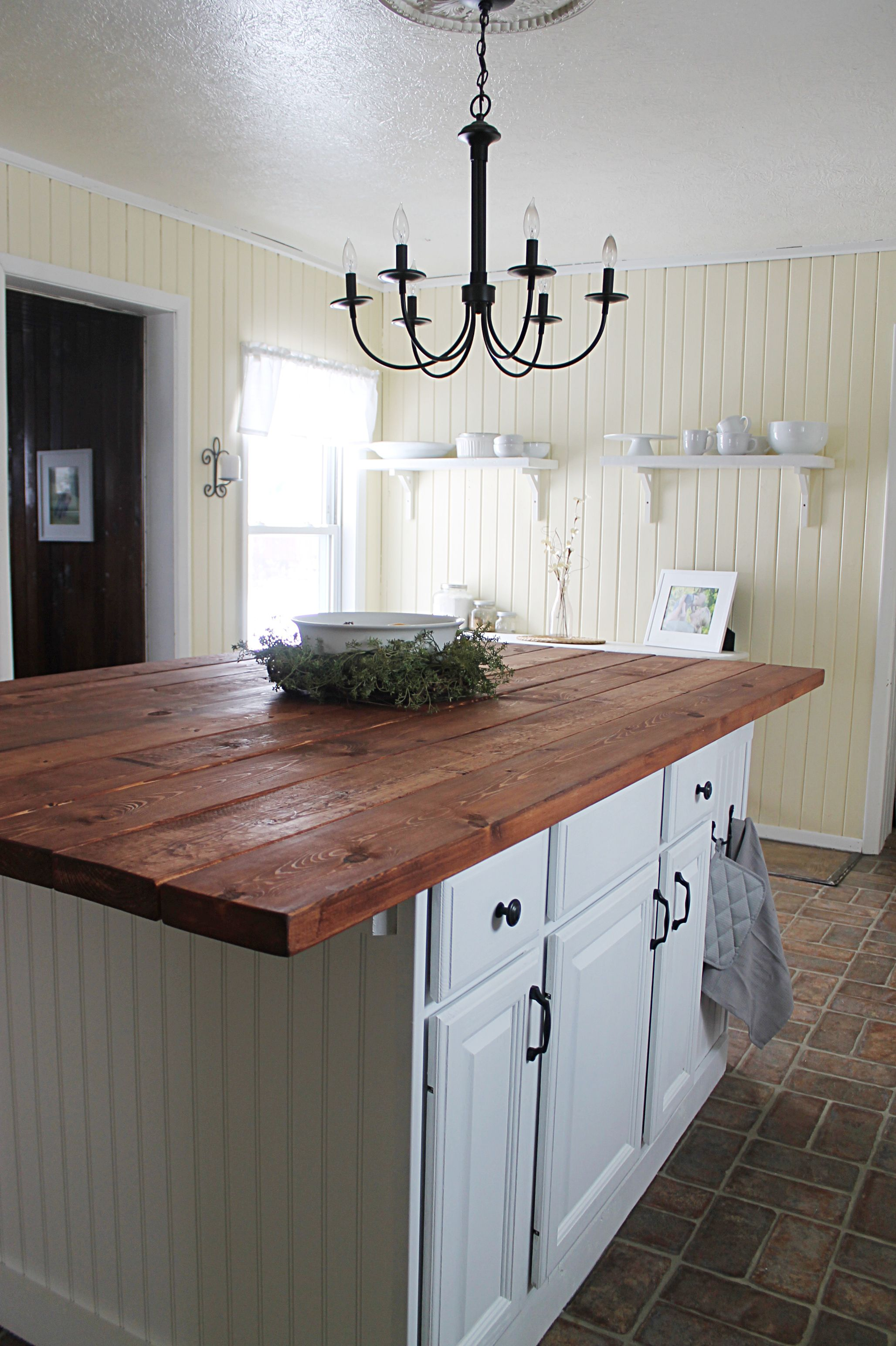 Farmhouse Kitchen Island!!!! country decor