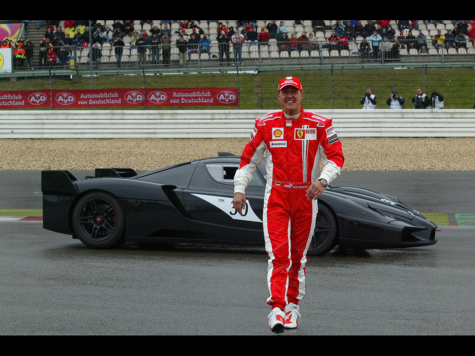 Michael Schumacher Ferrari FXX Racing & stuff