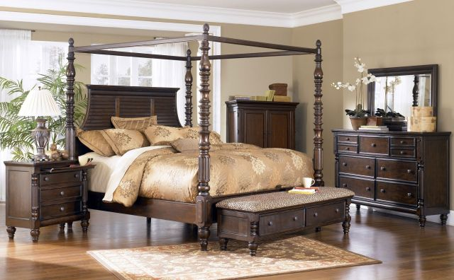 Ashley Key Town King Poster Bed Clearance Outlet