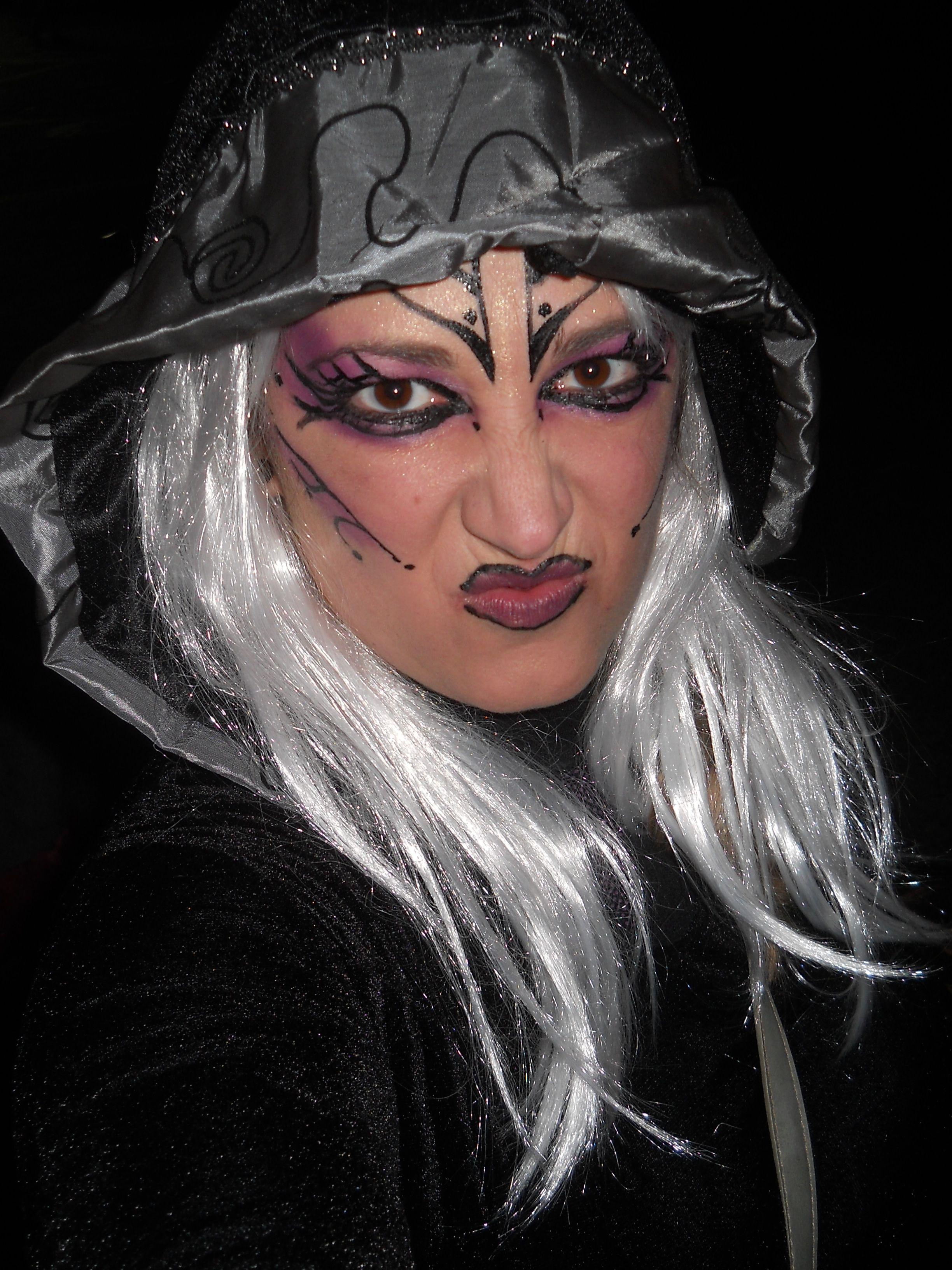 Maquillaje sencillo de Hechicera para Halloween
