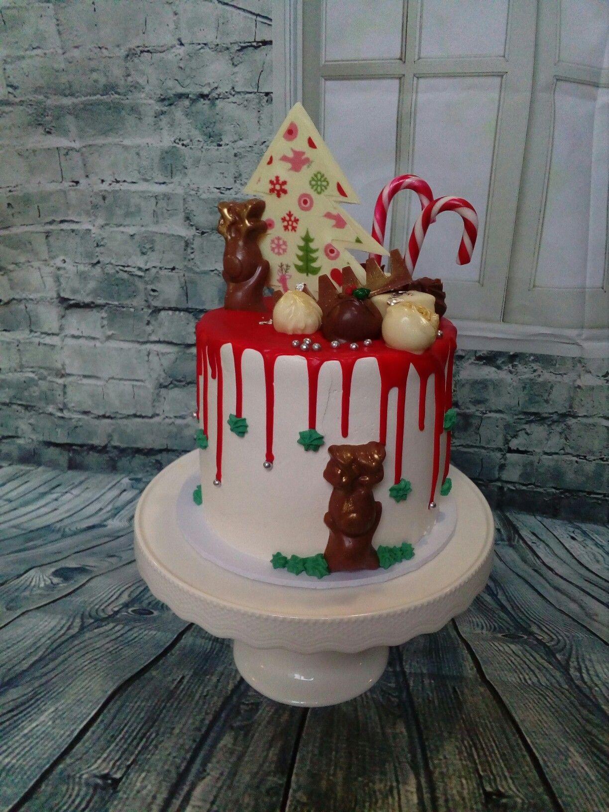 Christmas drip cake made by Kate welsh Χριστούγεννα