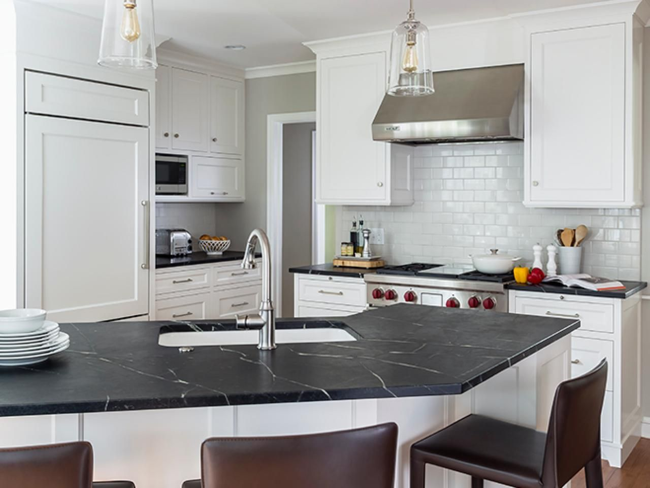 2015 NKBA People's Pick Best Kitchen Subway tile