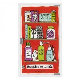 armoire a pharmacie famille rouge derriere la porte