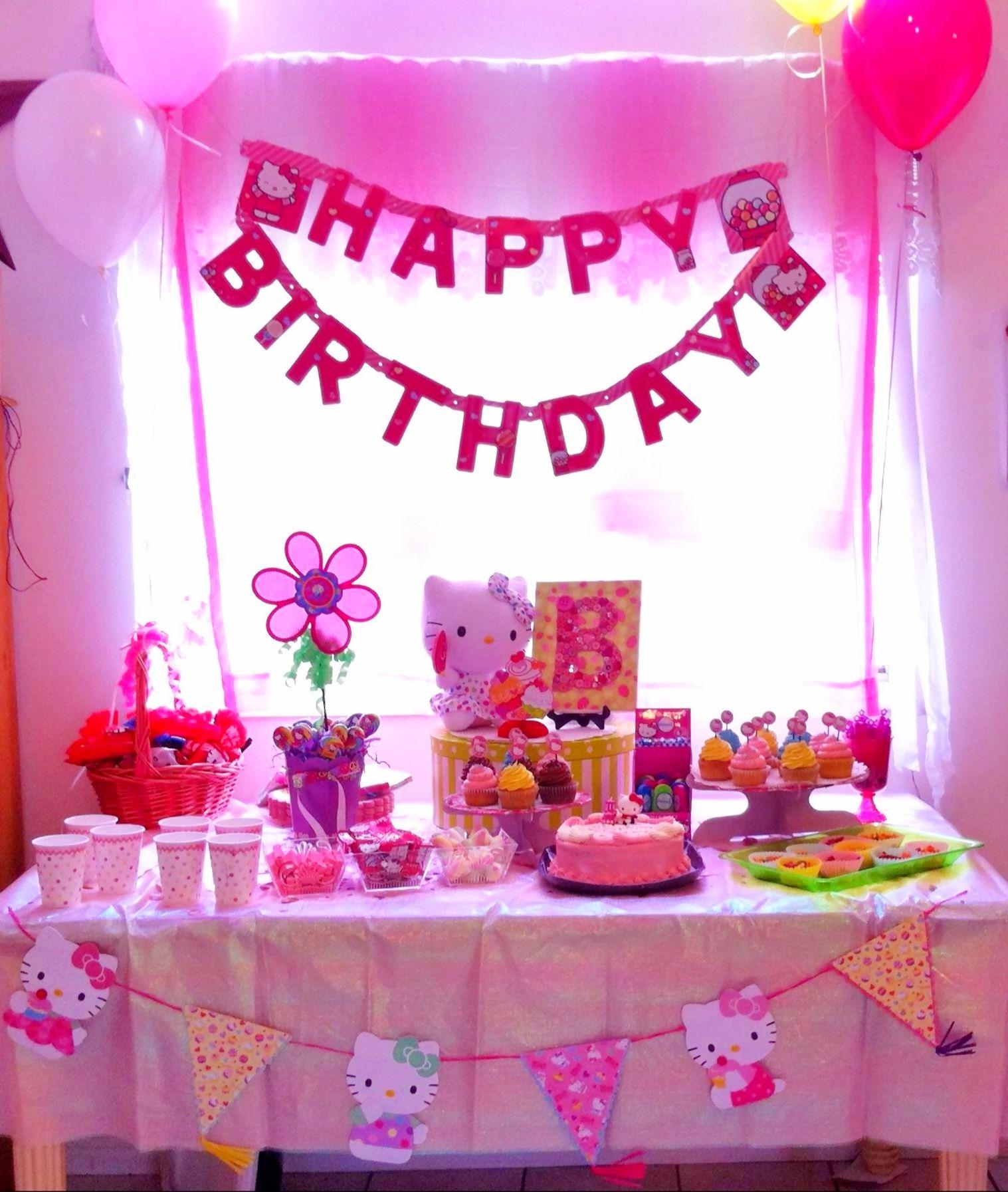 Hello Kitty Birthday Party Table Decoration