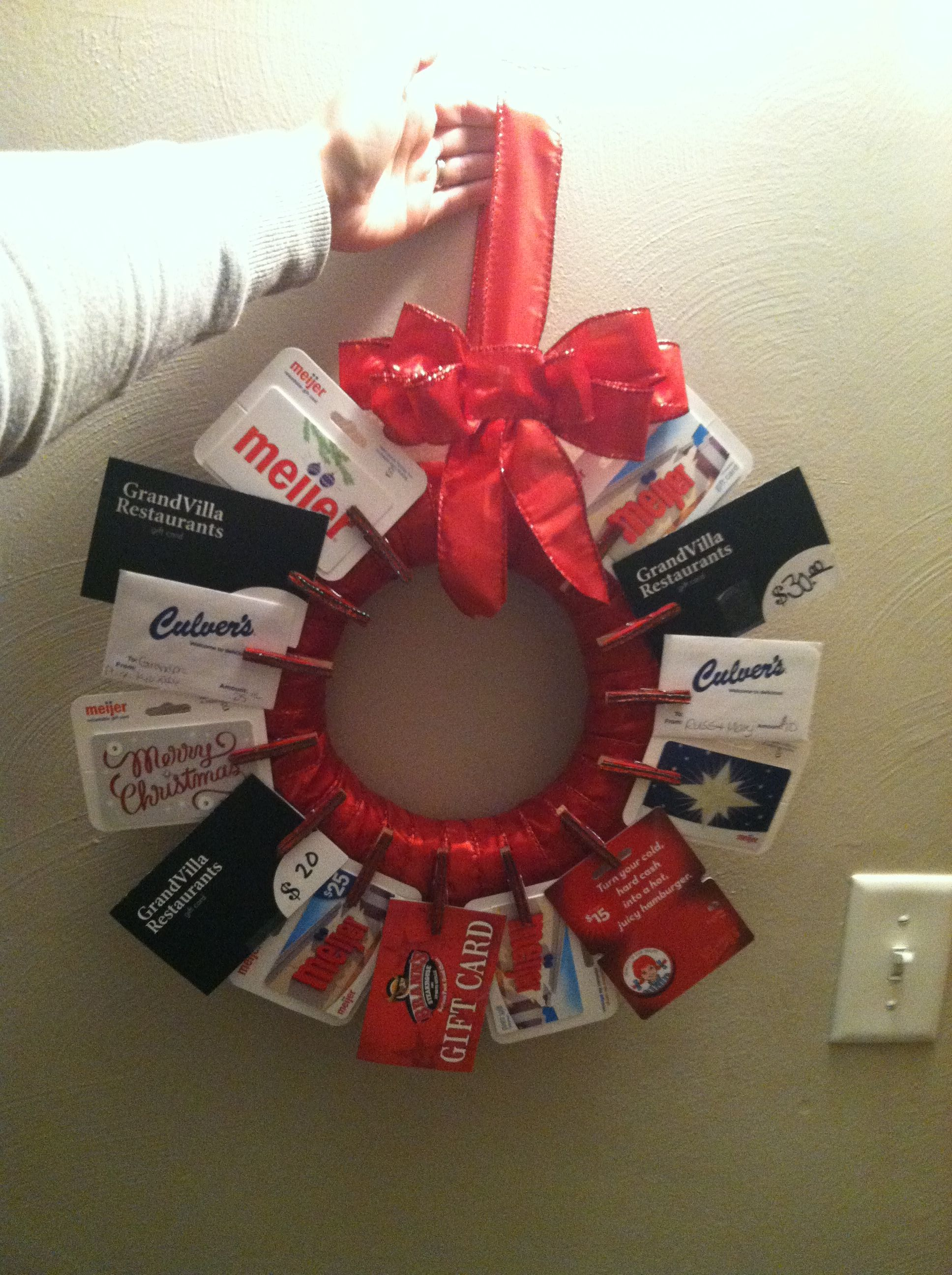 Gift card wreath Pins I've actually done.. Pinterest