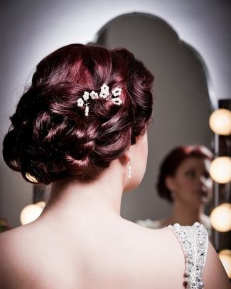 best 25 1950s updo ideas on pinterest 50s hairstyles halloween costume 50s pin up girl and