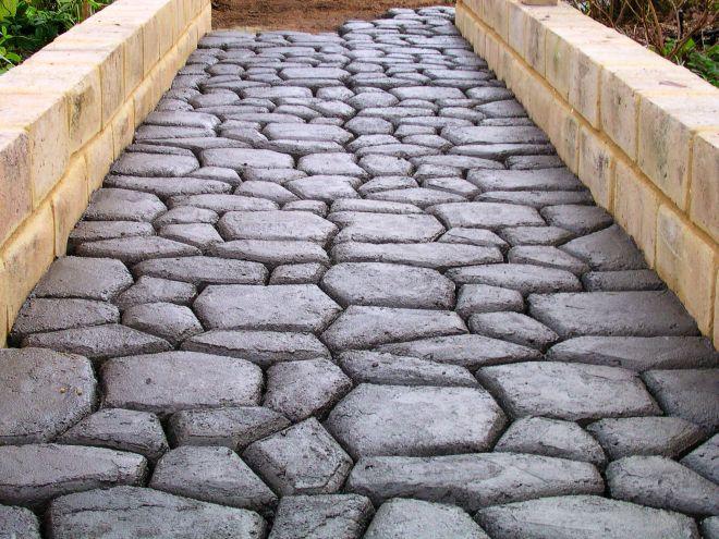 Cobblestone diy paving using one pavermaker mould paving