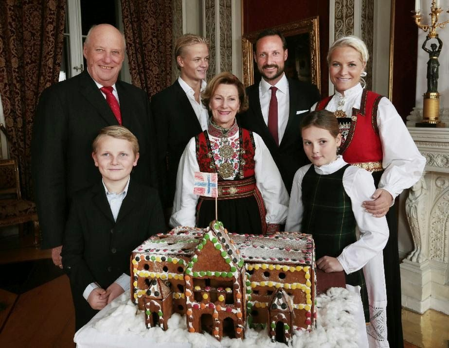 The Norwegian Royal Family posed for the traditional