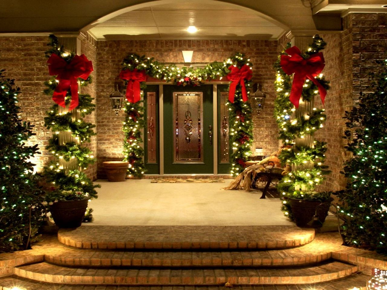 Use of lighting and decorative plants to the outdoor for