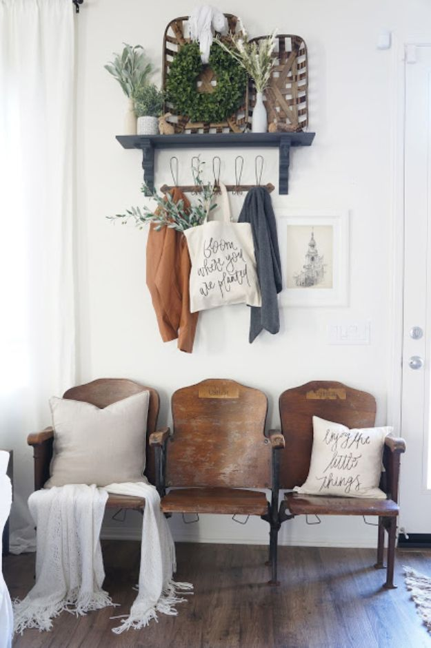 DIY Ideas for Your Entry – Vintage Theater Seat Entryway – Cool and Creative Home Decor or Entryway and Hall. Modern, Rustic and