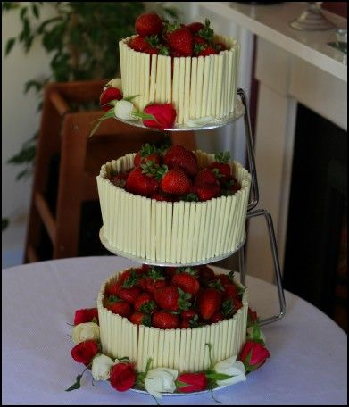 Chocolate Wedding Cakes with Strawberries   Wedding Ideas     Chocolate Wedding Cakes with Strawberries   Wedding Ideas   Pinterest   Wedding  cake and Weddings
