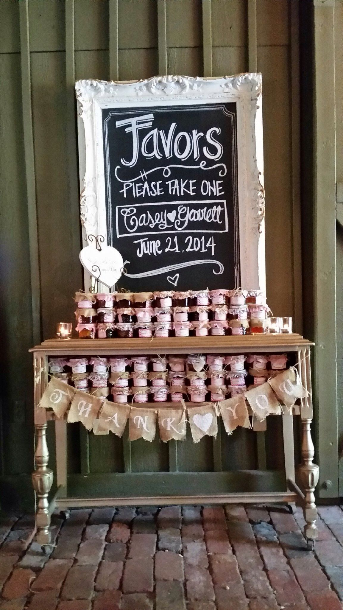 Rustic Elegance! vinewoodevents created a fabulous favor