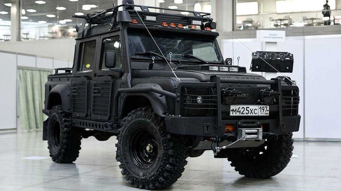 2015 Land Rover Defender custom Nice trucks & SUVs