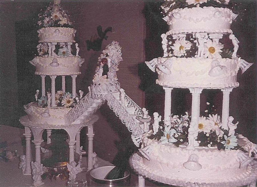 """Big Wedding Cakes with Fountains Wedding Cake 2006"""" pic"""