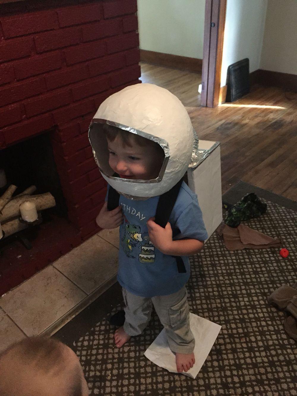 DIY astronauts helmet and oxygen pack Costumes Pinterest