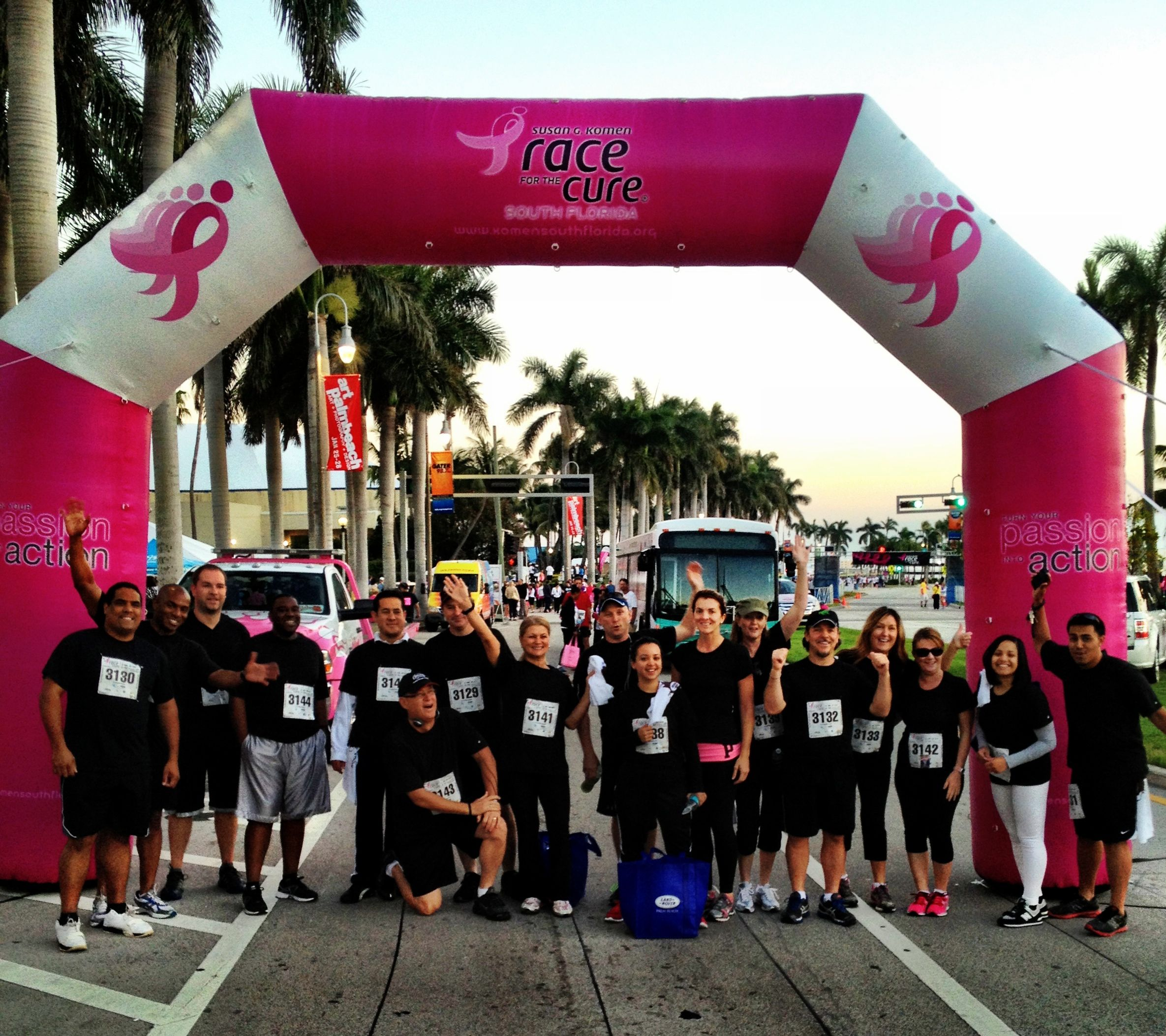 Land Rover Palm Beach supports Race For The Cure