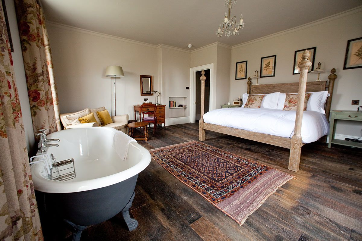 Hotel With Bath In BedroomBedroom Style Ideas