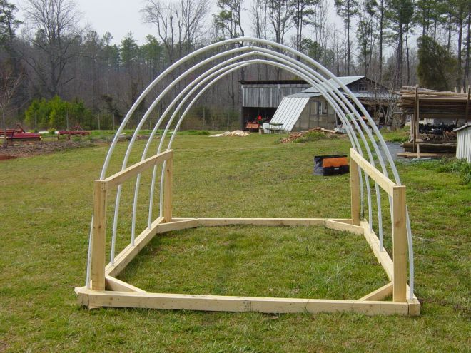 Chicken tractor construction i like the side