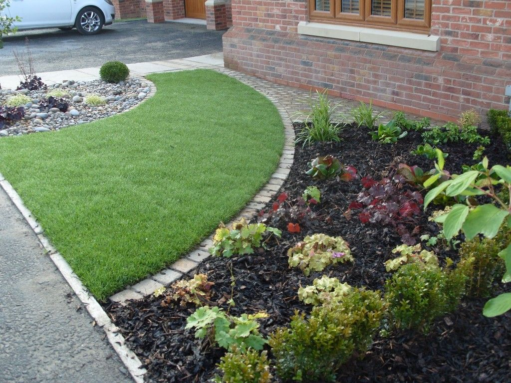 small front garden ideas with parking Courtyards & Small