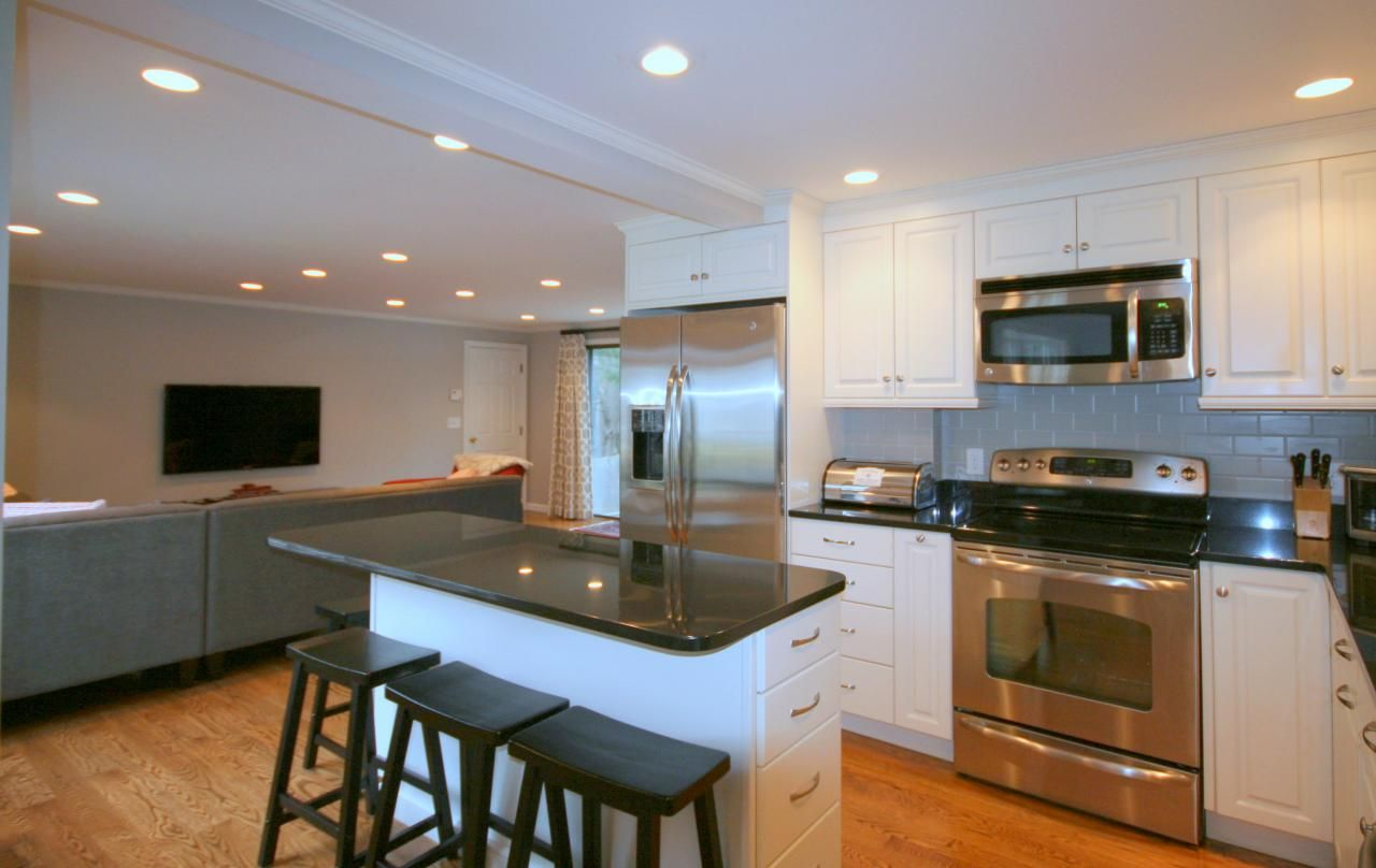 Narrow Kitchen Island In Classic Black And White Kitchen Islands Pinterest Narrow Kitchen
