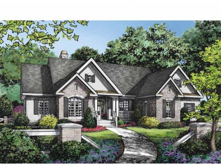 Eplans Ranch House Plan   Bright and Luxurious   2388 Square Feet     Eplans Ranch House Plan   Bright and Luxurious   2388 Square Feet and 4  Bedrooms from
