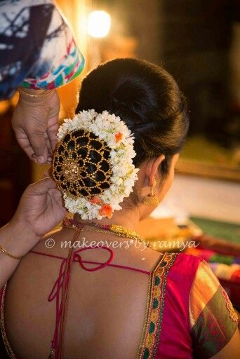What A Beautiful Low Bun With Real Flower Gajra Amp Juda Net